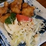 林屋 - 「天ぷらうどん定食」(1,380円)の唐揚げとサラダ
