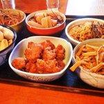 2909640 - 唐揚、きんぴらなどこの日のお惣菜①