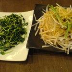 2909963 - 豆苗炒めと大根サラダ
