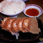 麺屋台 我馬 - ランチタイムは餃子+ライスが100円で付けられます
