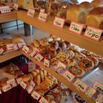 ペニー - 密度濃くパンが並んでいます