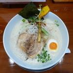 暁 製麺 - 鶏豚だしらぁ麺(中太麺)