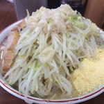 ラーメン 豚んち - 粉チーズ+¥100