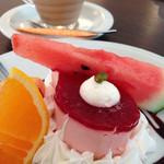 STAZIONE - 本日のケーキとジンジャーチャイ