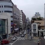 ラーメンと酒 こきあ - 辻堂駅南口の風景