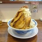 らーめんブッチャー - ふじそば小豚 大盛り野菜増し 910円