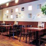 おさかな食房わはな座 - 店内テーブル席(一部)
