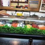 金寿司 - 熟成された多くのネタ♪