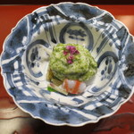 天雅 - 先付です。豊橋の白魚や車海老の上に新青海苔の泡状のソースが。