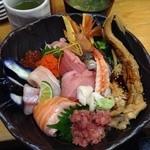 すし処 まる辰 - 豪華海鮮丼