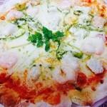 リヴィスタ - シーフードピザ、海老たっぷり!