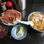29116437 - スープ焼きそばとソースカツ丼
