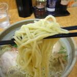 29117724 - 塩ラーメン(麺リフトアップ)