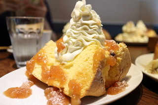 松涛カフェ Bunkamura店 - プレーンのシフォンにりんごシナモンジャムをトッピング