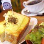 鷹匠茶屋 - みみずっくチーズトースト