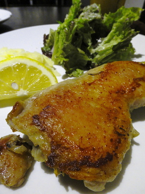 ワイン酒場 ブーシェ - 若鶏もも肉のコンフィ