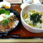 四ツ木製麺所 - マグロ漬け丼とわかめうどんの定食