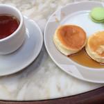 29128777 - 紅茶とパンケーキ、メイプルで