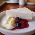 ロータス カフェ - ヨーグルトチーズケーキ