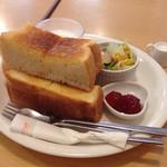 29133257 - モーニングセットのトーストセット(ハム抜き)