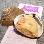 母恋めし本舗 - 本物のほっき貝の中に、ほっき貝のおにぎりが! 味もよく染みてます♪