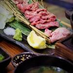 生け簀の銀次 - 生ラム肉の二種鋳物焼き定食