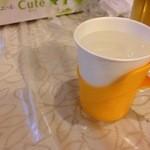 四川家庭料理 珍々 - お水