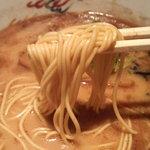 らーめん 朱 RENOVATE - 麺は好みでした