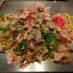Gottsui - 豚焼きそば(トッピング:青ネギ)