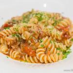 ビストロ マケロニ - 仏産鴨肉のラグーとポルチーニ茸のトマトショートパスタ【2014年6月】