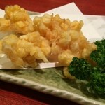 山海酒房 あかね屋 - 群馬産のトウモロコシのかき揚げ580円。甘みの強さが格段に違います!!