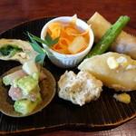 ヒュッテ - 野菜いっぱいヘルシーランチ(1100円)2014年7月