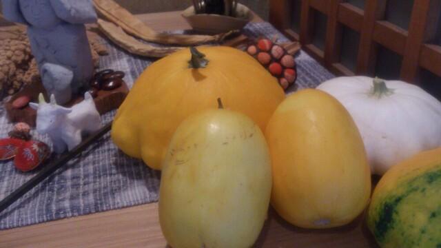 粟 ならまち店 - 店内の野菜たち