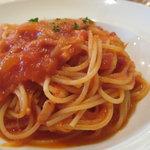 2915116 - ランチのパスタは3種類から選択(写真はパンツェッタと玉ねぎのトマトソース)