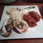 29152125 - 牡蠣のバターソテーとカキフライ