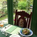 29155447 - 朝食もガラス張りになった席でバラを観ながら。
