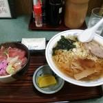 田舎 - ラーメン&中おち丼セット980円