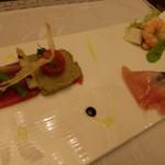 イル・テアトロ - 彩り豊かな前菜3種のアンティパストミスト