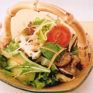 味噌をつかった料理やソースが人気です