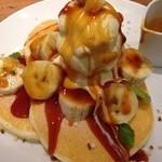 29169981 - 塩キャラメルとナッツの                       バナナ・パンケーキ ¥1000