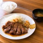 HONMACHI 豚テキ - ごはん・キャベツ・みそ汁付!