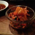 炭火焼肉 ゴン太 - キムチ