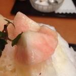 29179336 - 生桃かき氷/900円(税込)③