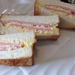 ルーブル - エッグトースト…と言いつつハムもたっぷり!因みにハムトーストと言うメニューもある…