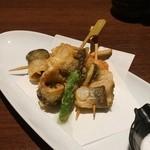 魚問屋 魚きんた - 鮎のシソ巻き天ぷら 550円