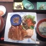 雅しゅとうとう - 鶏ごま味噌焼き定食税込1000円