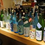 日本酒バル富成喜笑店 - ずらりと並んだ夏酒
