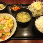 上海亭 - 海老と卵炒め定食
