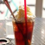 イリヤプラスカフェ - アイスコーヒー 今月はホイップが無料でついてくるみたい。