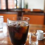 Cafe & Kitchen Rabbits - オーガニックコーヒーと言われるコーヒー、今日はグァテマラ、アイスにしても香ります